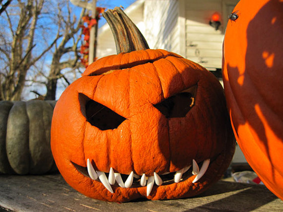 Pumpkin with sharp teeth
